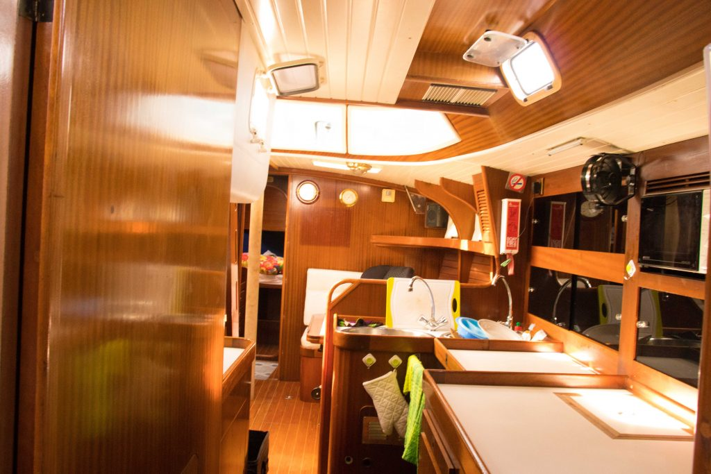 sailboat kitchen